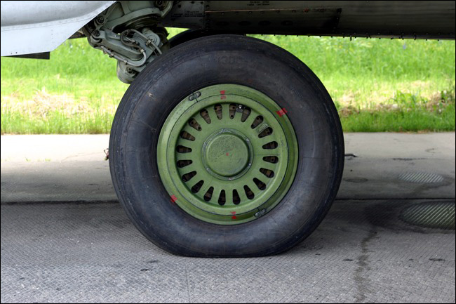 элементы конструкции самолета