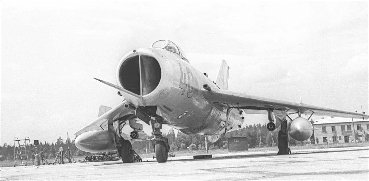 http://avia-simply.ru/wp-content/uploads/2012/08/MiG-19_Kubinka_11.jpg