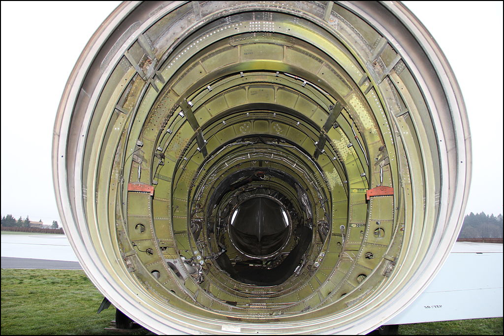 О конструктивно-силовых схемах элементов планера самолета. Часть 1. Фюзеляж.